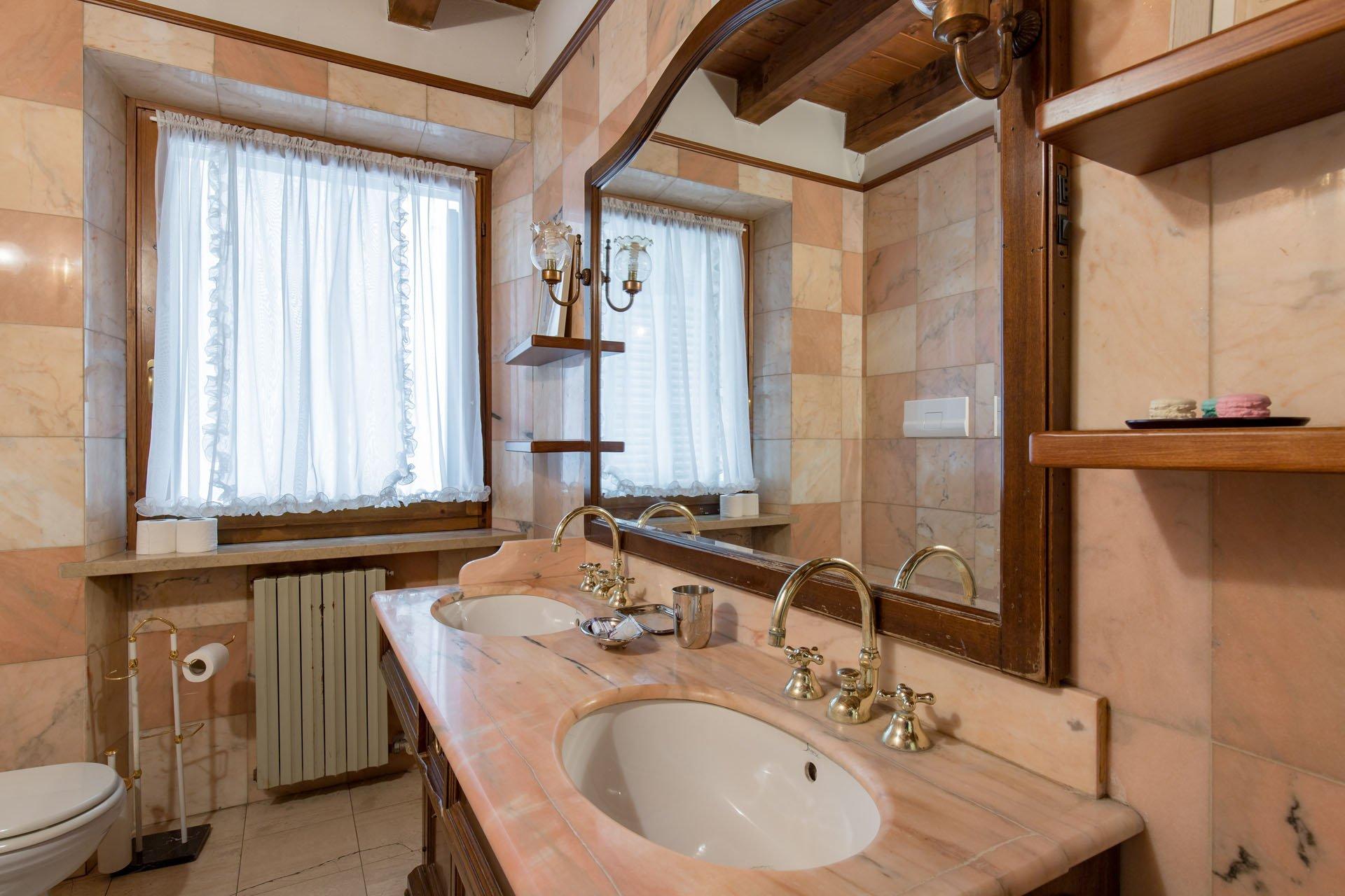 Appartamento nel cuore di verona la giara romana